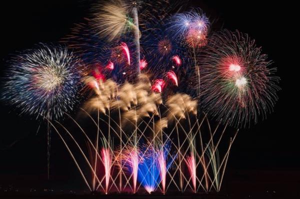 中四国初開催!!西日本最大規模の花火競技大会が誕生!日本中から超一流の花火師が 徳島の地に集結
