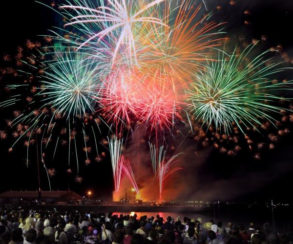 松山市制施行130周年記念 第69回松山港まつり・三津浜花火大会