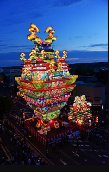 高さ日本一!24.1mの城郭型灯篭が練り歩く!!