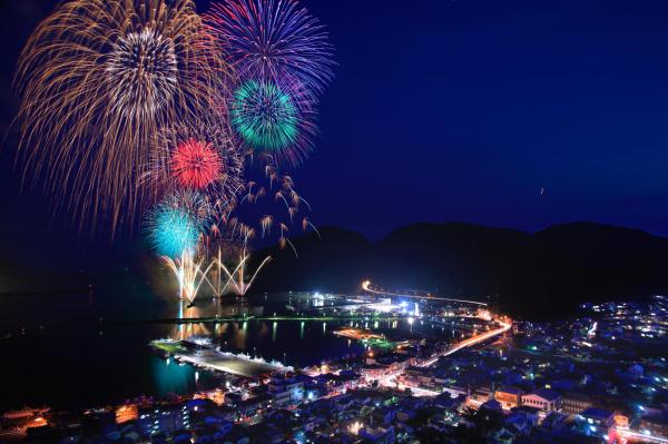 県内最大級10,000発の花火大会