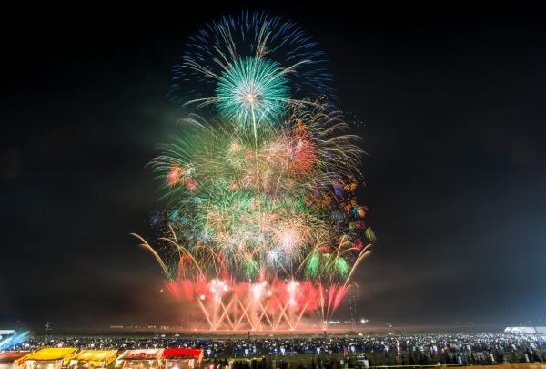 世界の花火 日本の花火