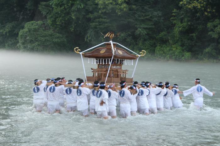 神輿洗いの儀式
