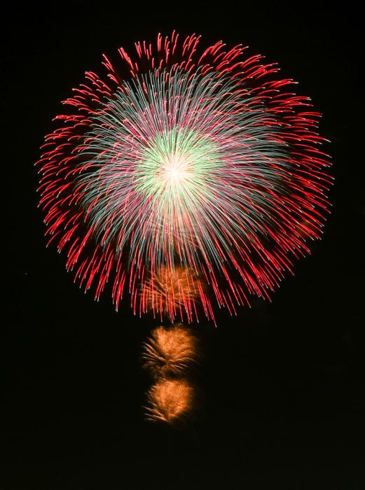 全国各地の厳選された花火を打上げます!