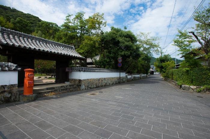 歴史と文学の道(武家屋敷通り)