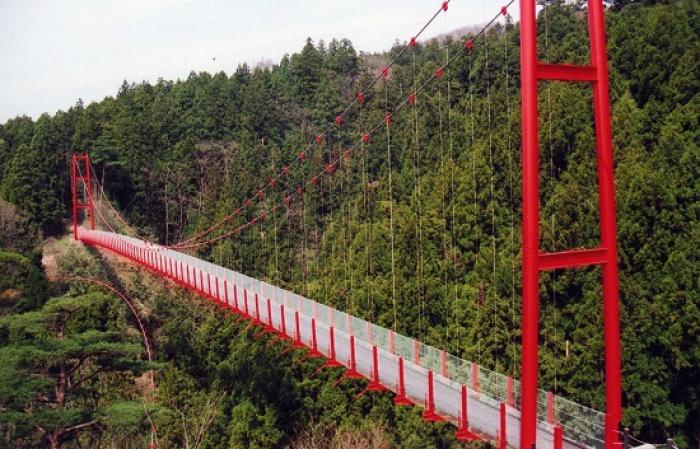 千眼堂吊り橋(せんがんどうつりばし)